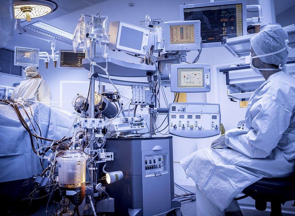 传统企业和互联网电商都在跨界医疗器械,它们准备怎么玩?
