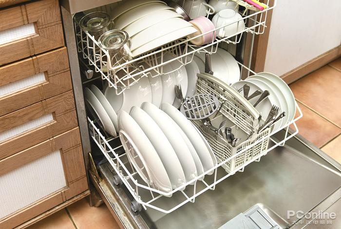你家买新房了 装洗碗机了吗 ?