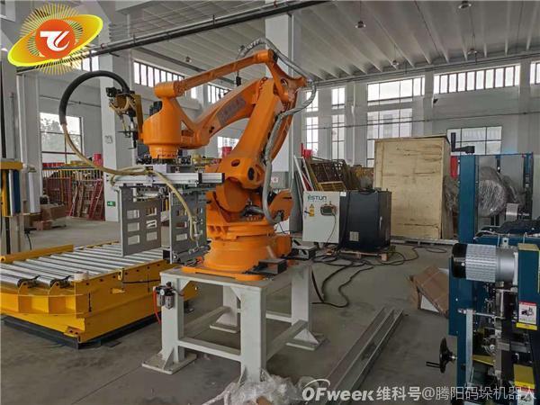 工业码垛机器人在生产企业是否适用