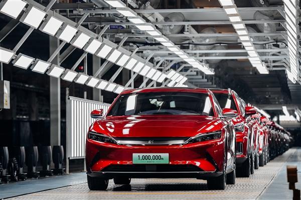 解锁100万辆成就,比亚迪新能源汽车中国首家