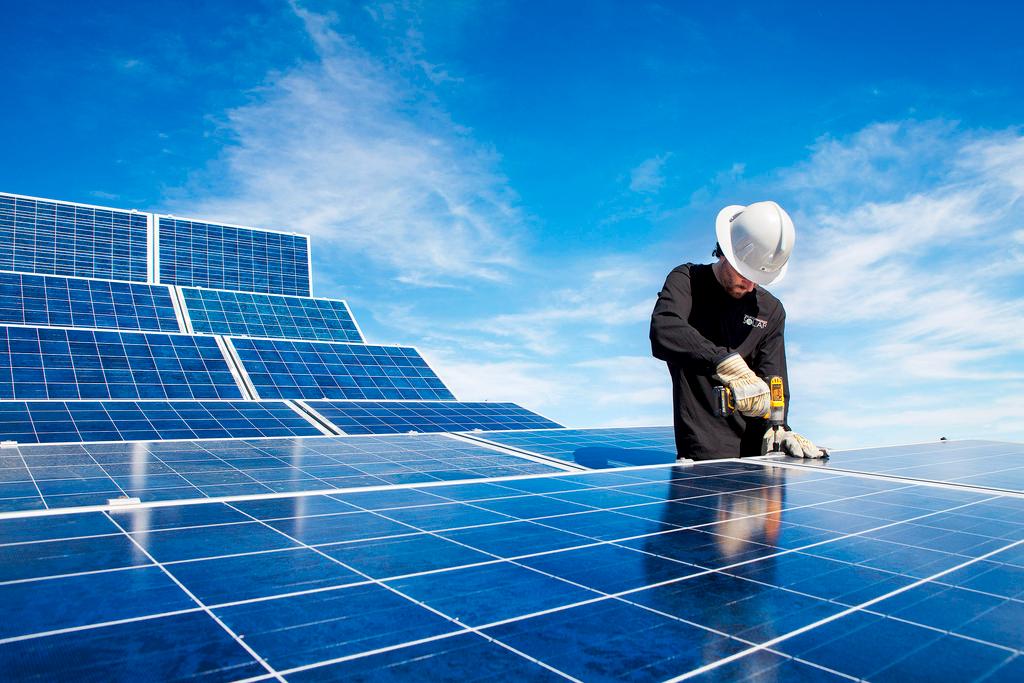 扩大分布式光伏业务合作 国网综能服务集团与阳光新能源签署合作意向协议