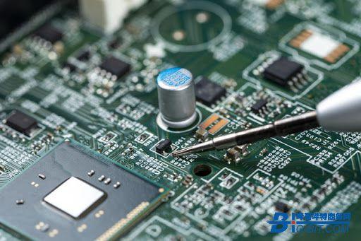 英特尔欲发展芯片代工业务 分析师:缺乏收购目标