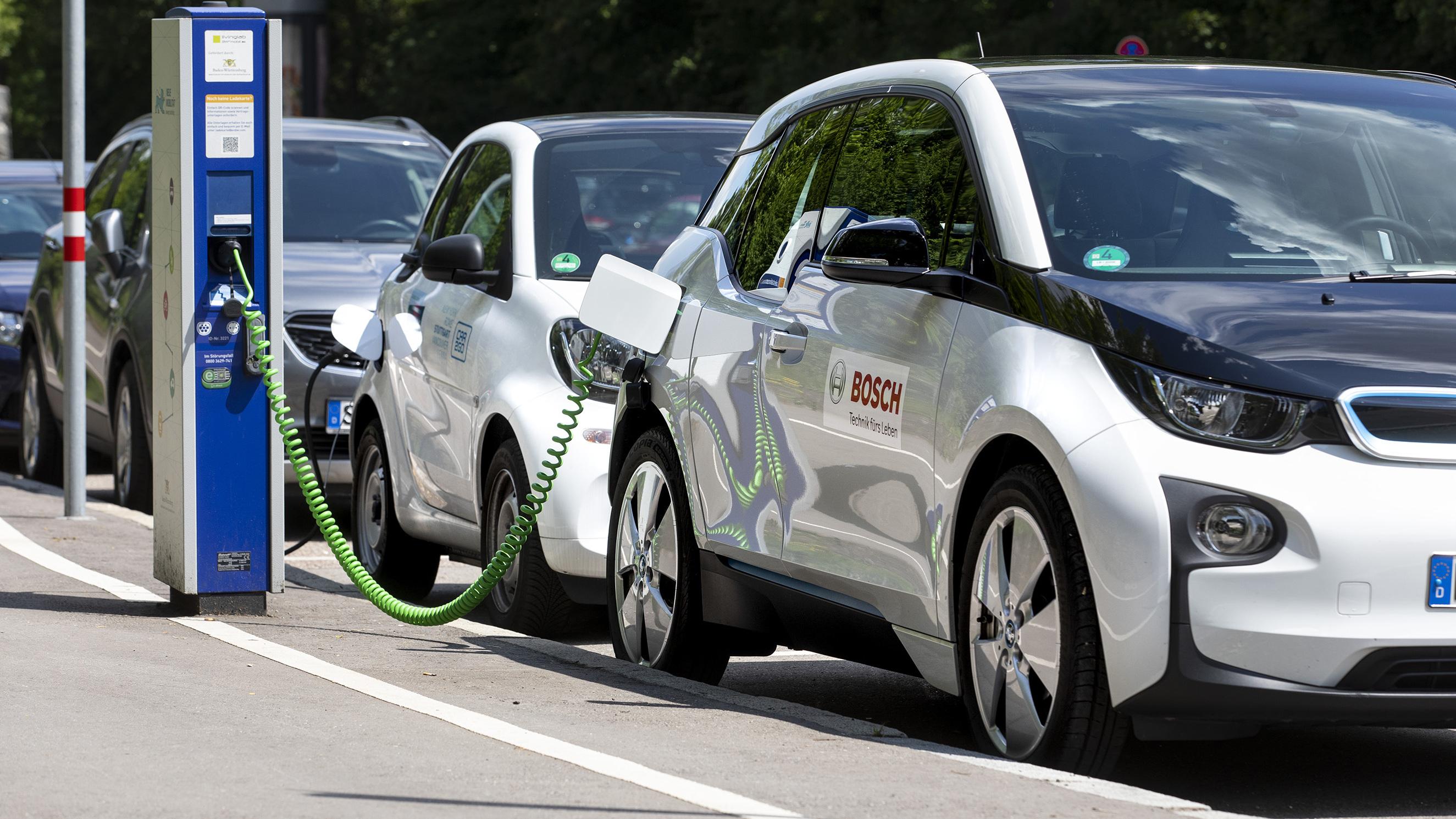 上汽乘用车新能源车1-7月销售8万辆,同比涨200%
