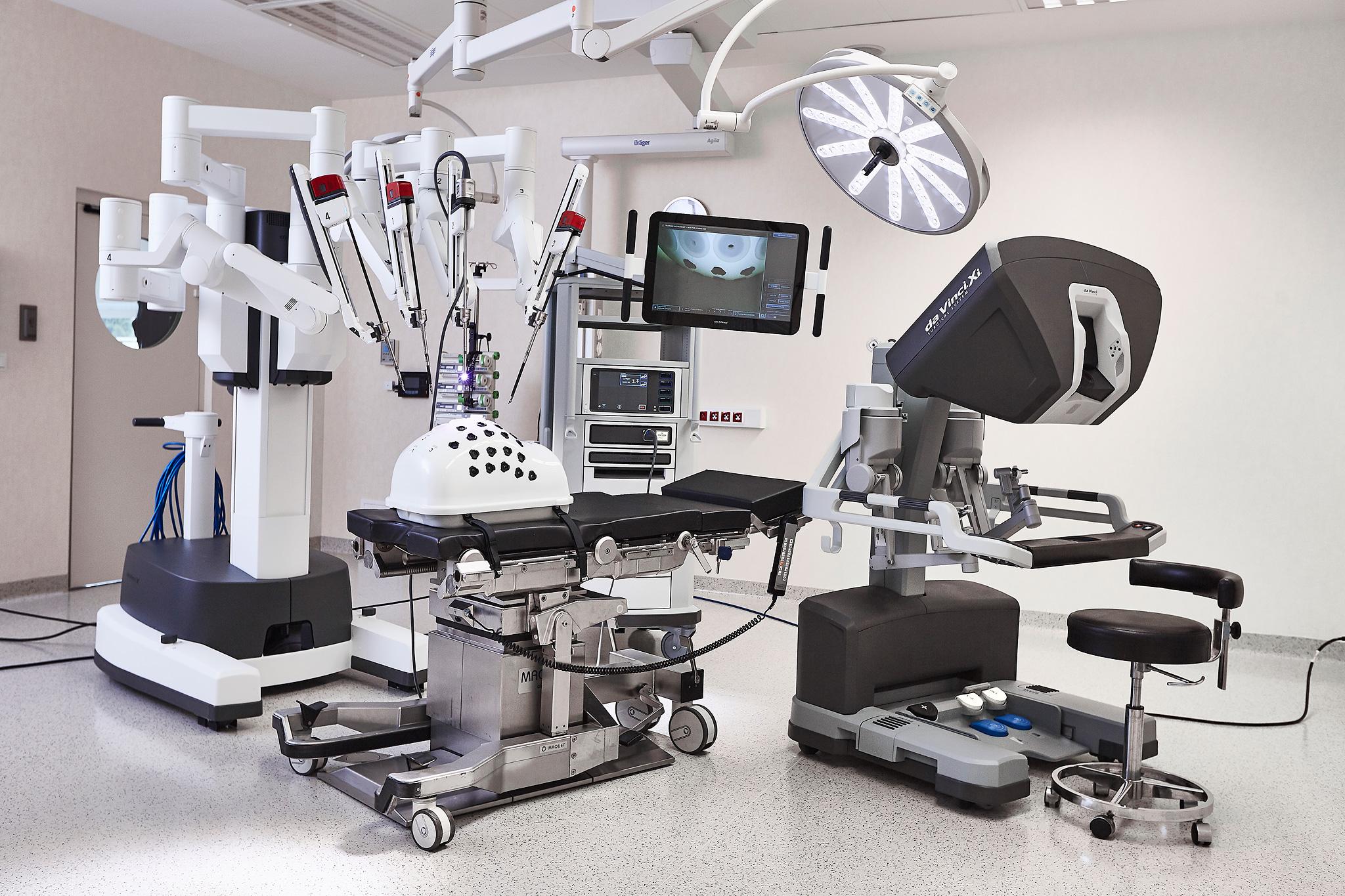 医疗方面新发展,机器人分担工作,替医生做手术?