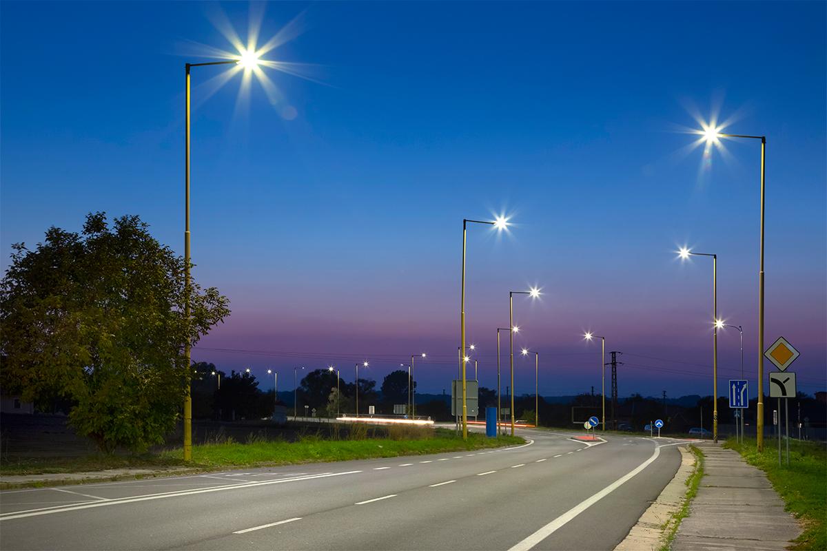 Mini LED设备等发力,新益昌上半年净利大增134%