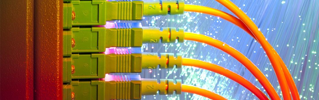 先进的多芯光纤连接器技术
