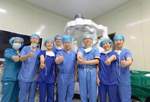宁夏首例达芬奇机器人辅助下的小儿外科手术实施!