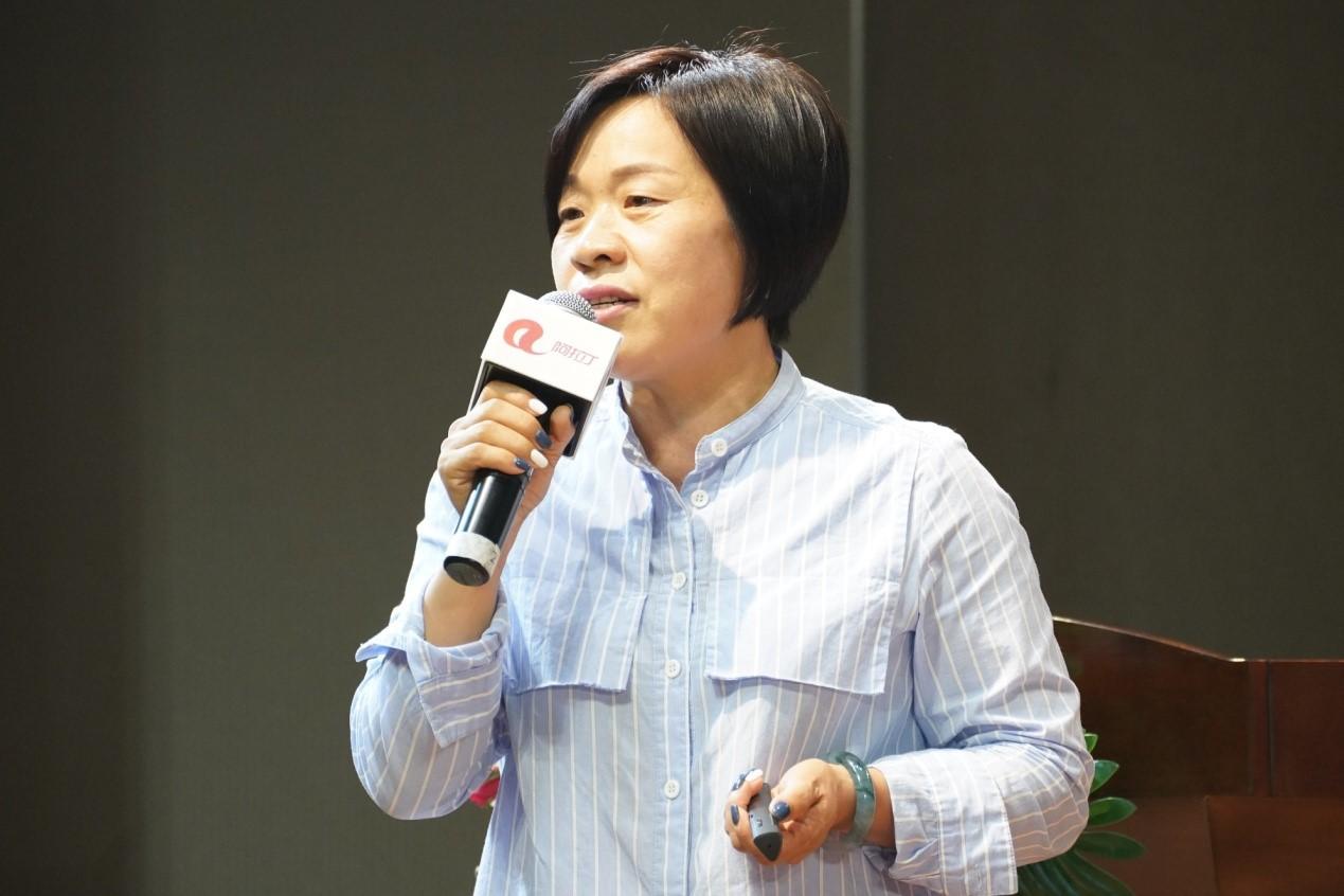 广州市夜空彩虹光电科技有限公司创始人杜海燕