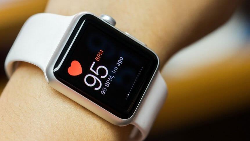 一种新的可穿戴设备用于监测人的生理数据:无需充电,无需贴在皮肤上