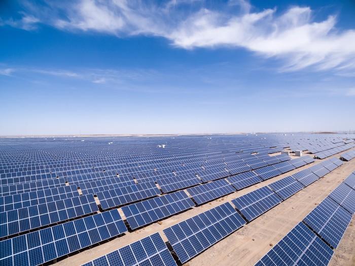 中国能建山西电建中标河北唐县100兆瓦光伏发电PC总承包项目